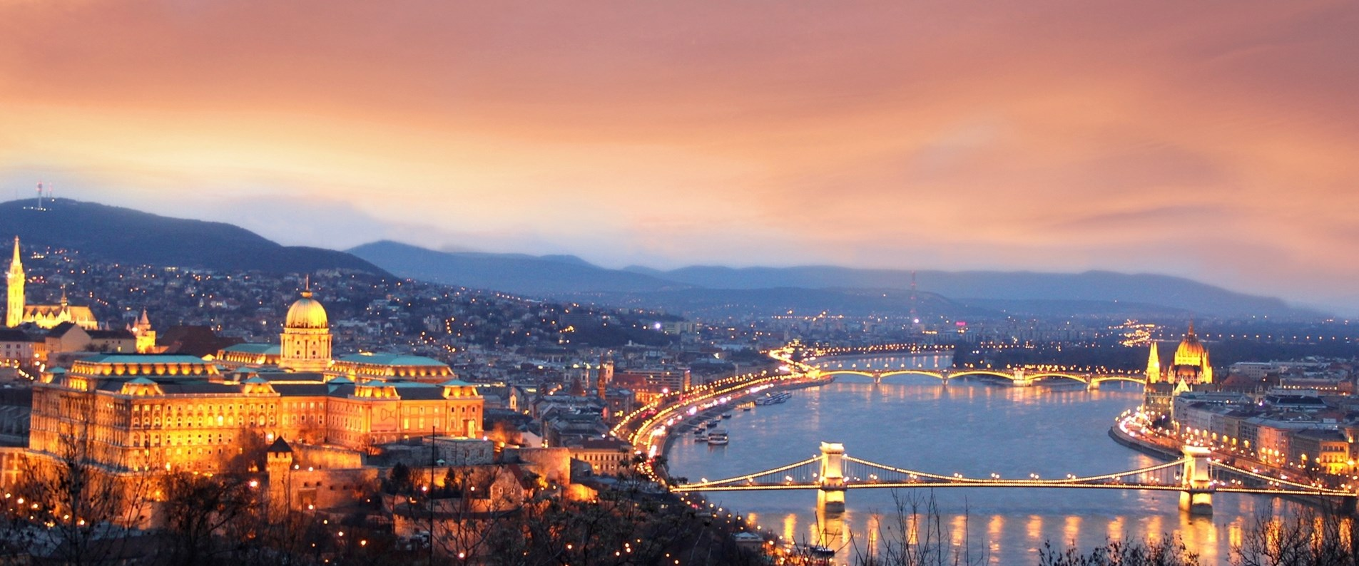 slider_budapest-panorama.jpg;width=1905;height=794;mode=crop;anchor=bottom;autorotate=true;quality=90;scale=both.jpg